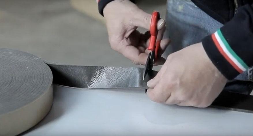 Montaggio di un infisso in sormonto - fase 4, di Fossati Serramenti