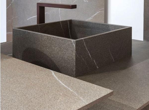 Per rivestire cucine in muratura: In-Side Pietra Piasentina Taupe di Laminam