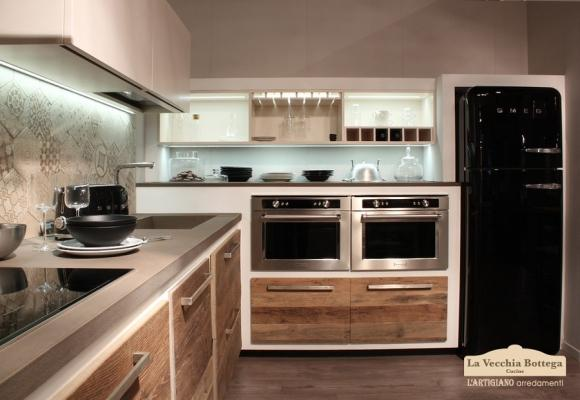 Mater, cucina in muratura moderna di L'artigiano Arredamenti