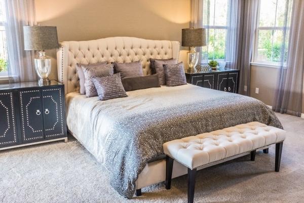 Camera da letto con arredamento luxury in stile classico