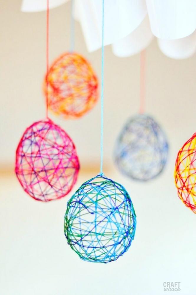 Lavoretti pasquali: decorazioni a forma di uovo, da craftwhack.com