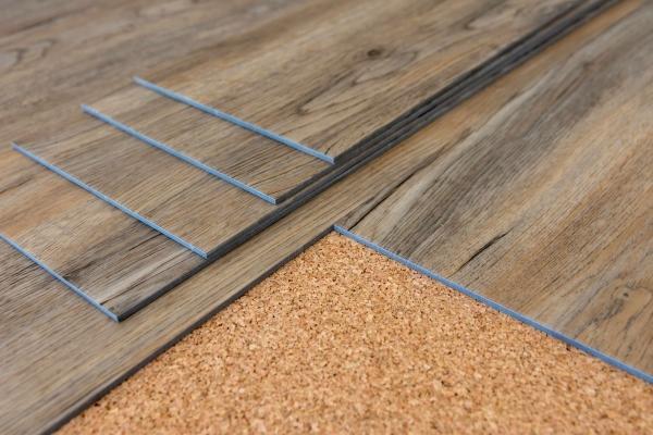 Sughero in edilizia per la realizzazione di tappetini anticalpestio sottopavimento