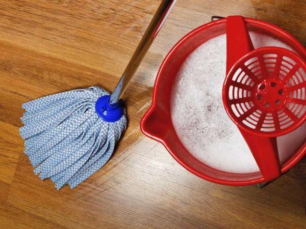 Il parquet è un pavimento delicato da trattare con molta attenzione e detergenti specifici