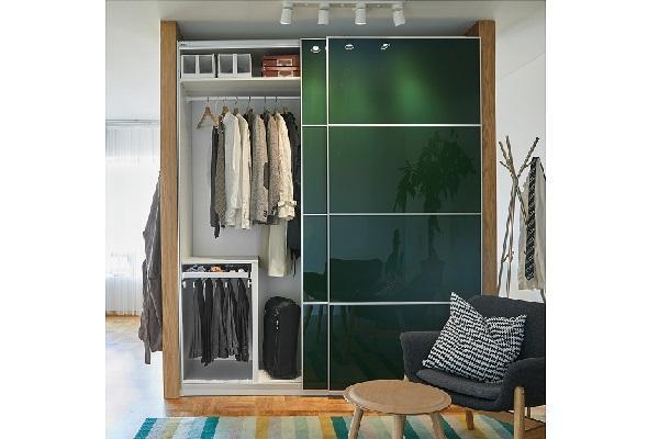 Guardaroba Pax Ikea per stanza da letto moderna