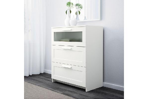 Cassettiera Brimnes Ikea per stanza da letto moderna