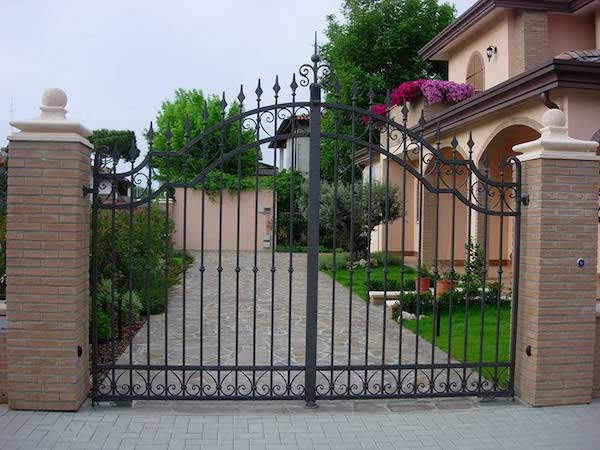 Cancello in ferro battuto realizzato da Borganga