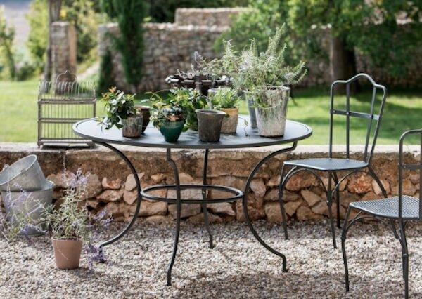 Tavolo e sedie in ferro battuto Aurora - design by Unopiù