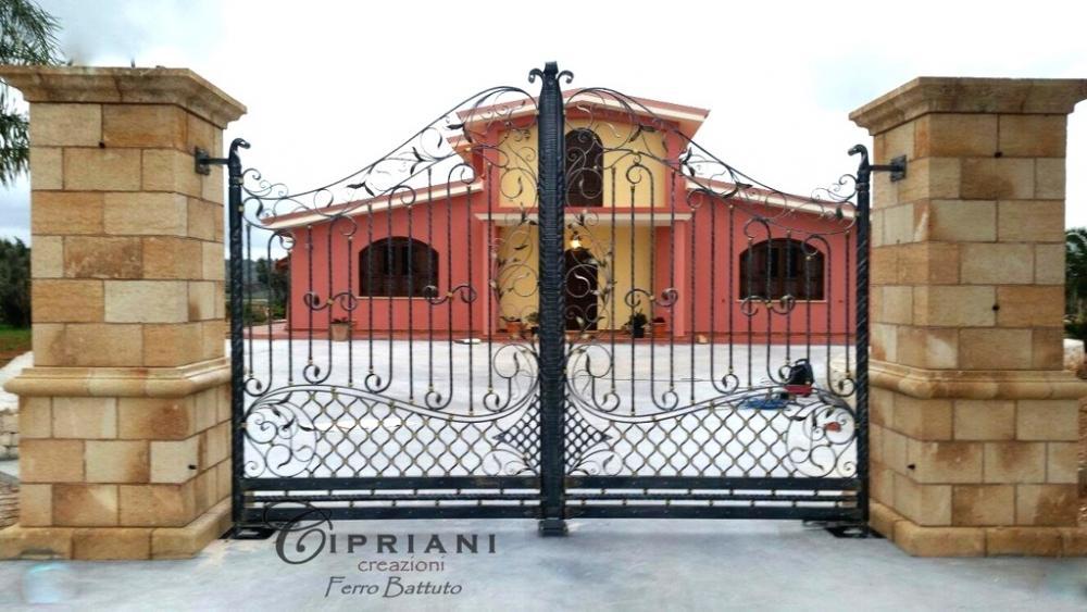 Cancello in ferro battuto stilizzato - Cipriani