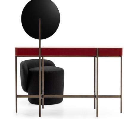 Liu Jo presentata al Salone del Mobile Ceci est un caillou, console e seduta