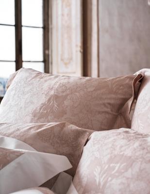 Particolare cuscini La Perla Home Capsule Collection design by Fazzini