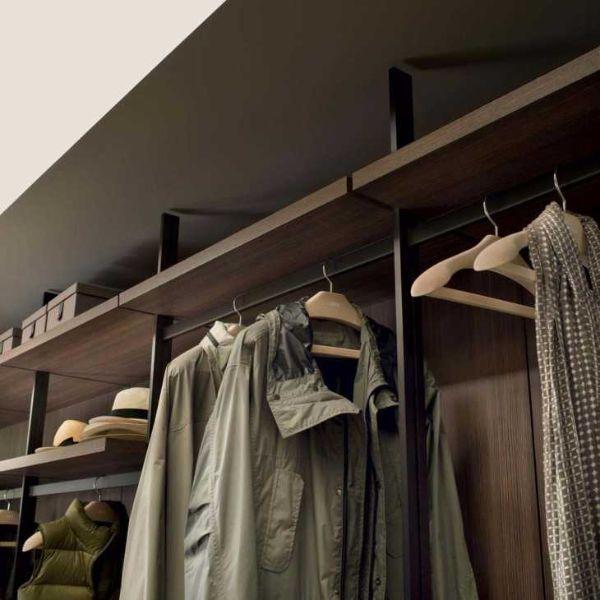 Attrezzatura interna cabina armadio: particolare di Hangar, Piero Lissoni per Lema