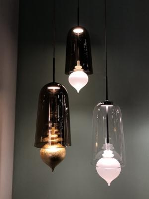 Lampada Ghanta in vetro soffiato, presentata in anteprima durante Euroluce 2019 da Melogranoblu