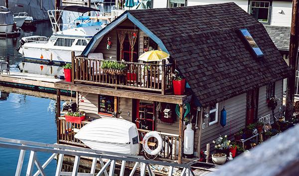 Houseboat in stile vintage