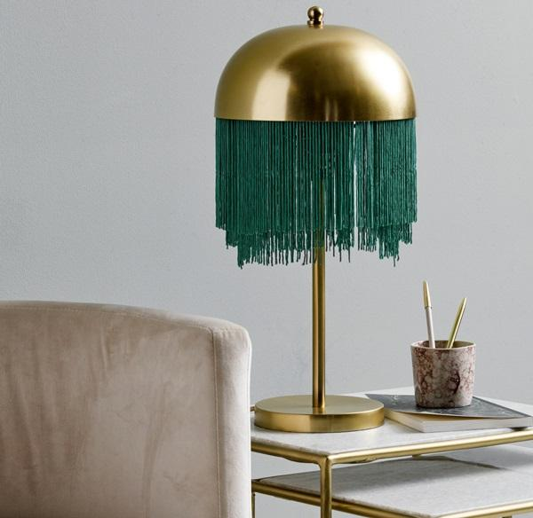 La lampada da tavolo Fringe di Nordal