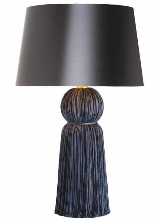La lampada da tavolo Tassel di Arteriors Home