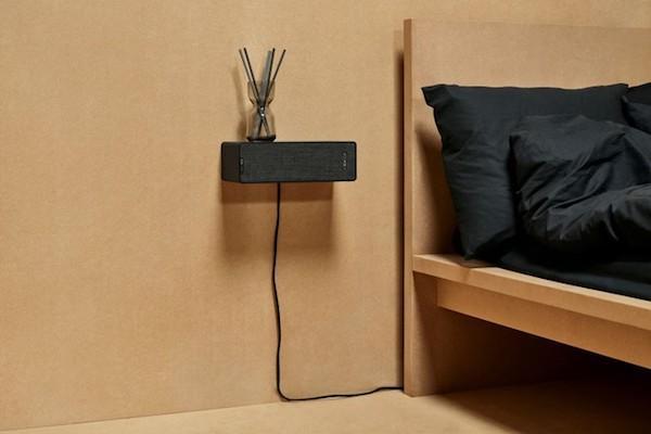 Mobile-stereo Symfonisk Bookshelf installato a parete