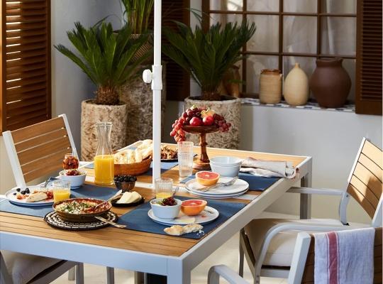 SJÄLLAND, set tavola per esterni completo di tavolo e quattro sedie