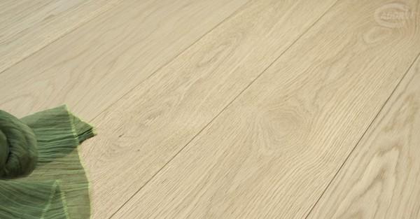 Pavimento salotto in parquet di Rovere Europeo Select - design e foto by Cadorin