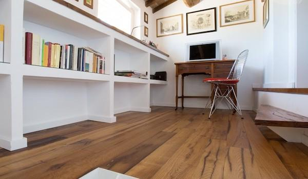 Pavimento per salotto in rovere antico - design by Cadoringroup