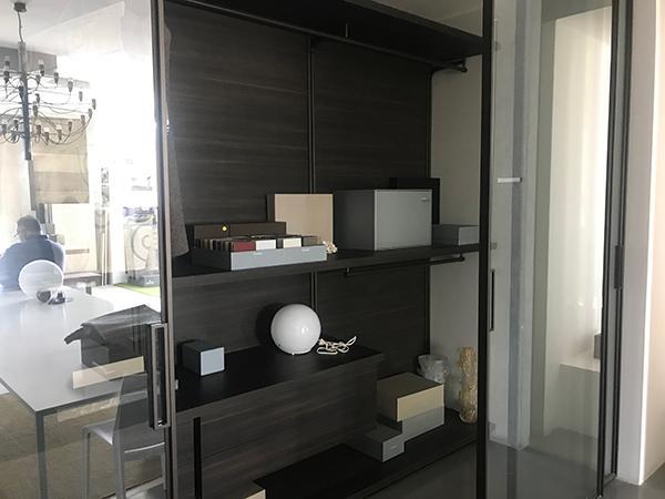 Interno cabina armadio Molteni&C la bottega della ceramica