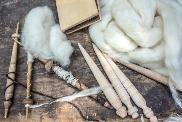 Tra i materiali sostenibili cui la bioedilizia guarda c'è la lana di pecora