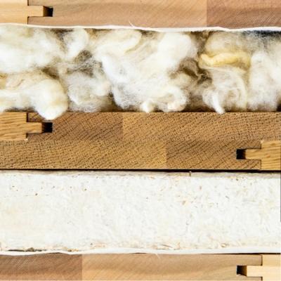 Pannelli isolanti per porte realizzate con miceli o lana di pecora