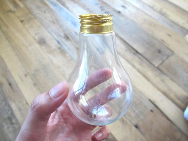 Vasi fai da te con le lampadine: parte 3, da blog.freepeople.com
