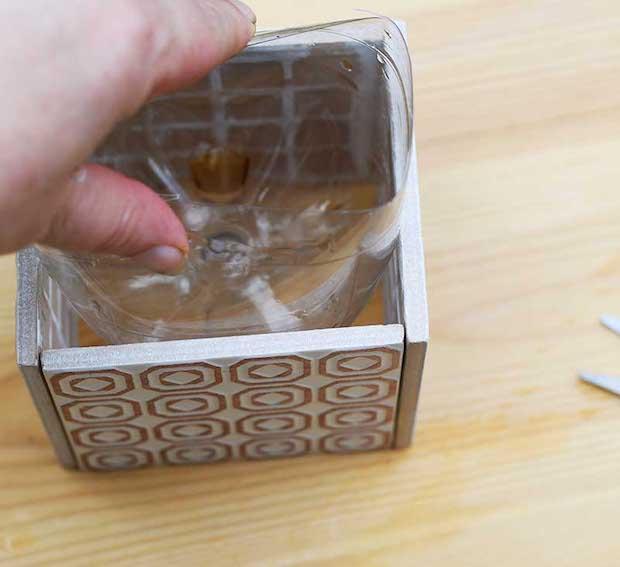 Vasi fai da te con le piastrelle in ceramica: parte 2, da pillarboxblue.com