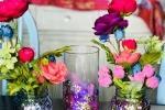 Vasi fai da te decorati con glitter, da lostmom.org