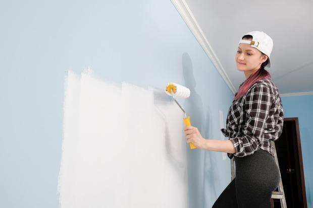 Applicazione della pittura di sale