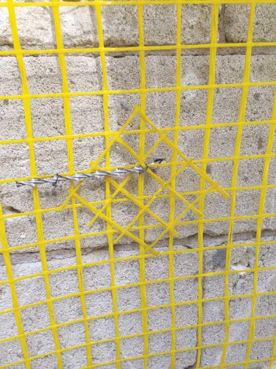 Rinforzo con intonaci strutturali con fibra di vetro di Weber Saint Gobain