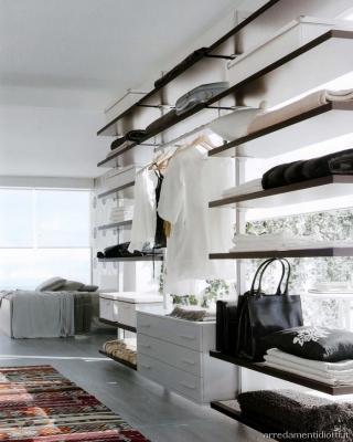 Cabina armadio -montanti parete - Diotti