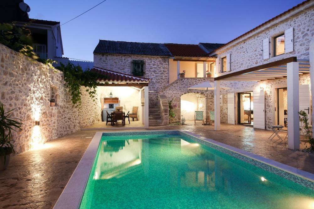 Pavimento stampato bordo piscina - Ideal Work -