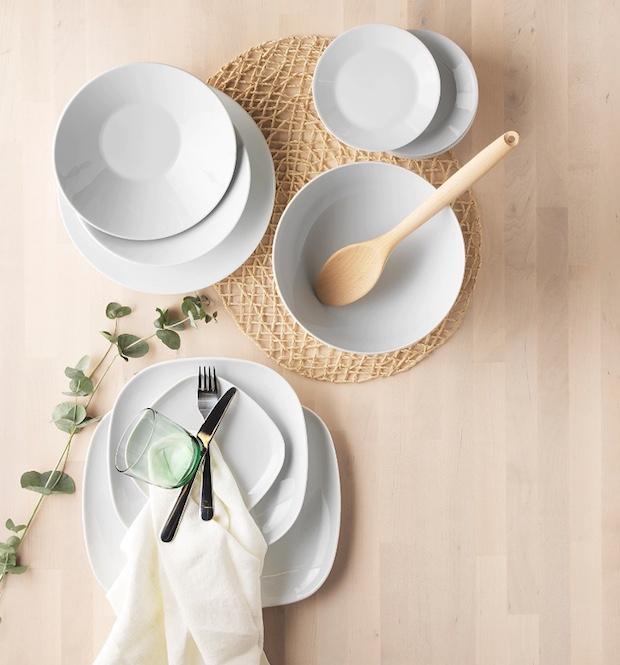 Piatti ikea in porcellana feldspatica semplici, da Ikea