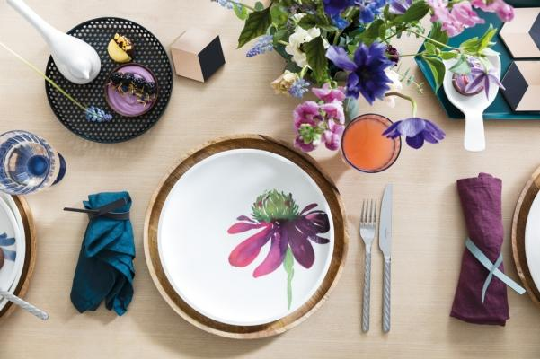 Piatti in porcellana feldspatica con decorazioni floreali, da Villeroy & Boch
