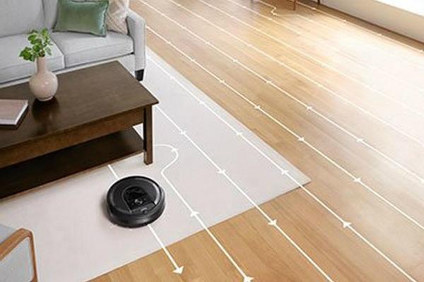 Robot aspirapolvere (Roomba i7+ di IRobot