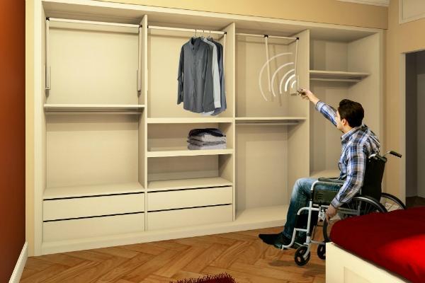 Camera da letto per disabili by Falegnameria Design