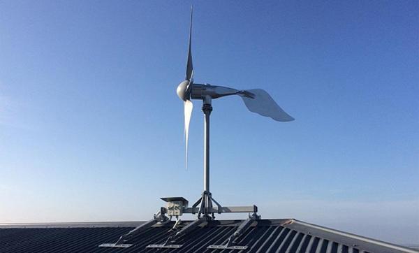 Turbina micro eolica ad asse orizzontale di Etneo Italia