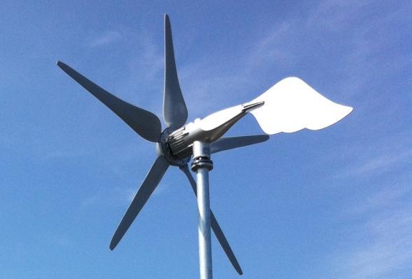 Turbina micro eolica ad asse orizzontale HAWT 400-3000 by Etneo Italia