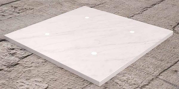 Placca luce contemporanea Tense Intensity Corian White di Monobrand