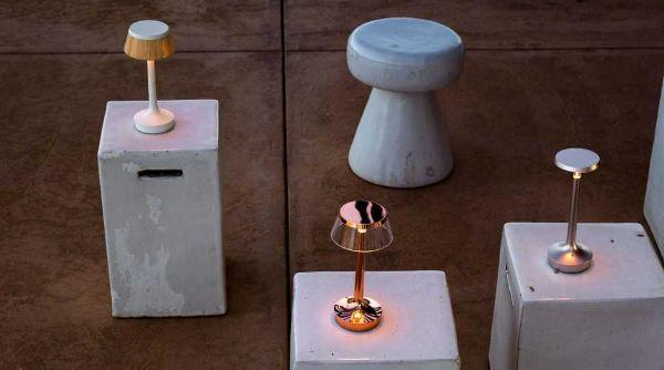 Lampada senza fili portatile e ricaricabile Bon Jour Unplugged  di FLOS