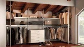 Le migliori cabine armadio componibili realizzate in mansarda