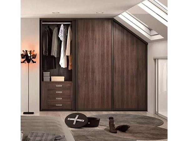 Cabina armadio per mansarda design Rusconi Arredamenti