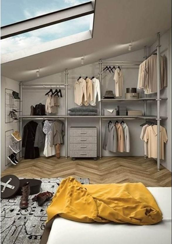 Foto - Cabina armadio in mansarda