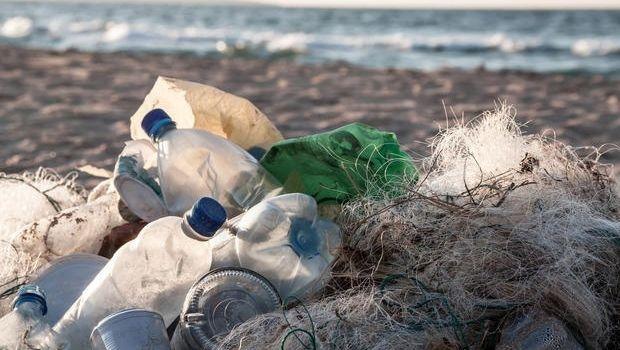 Limitare il consumo di plastica in casa con prodotti e materiali alternativi
