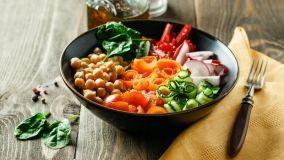 Buddha bowl: come prepararle e servirle in tavola