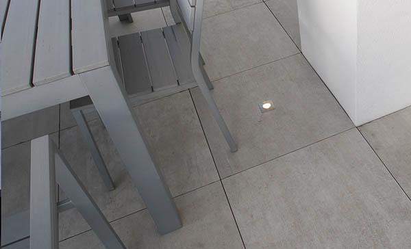 Pavimento flottante da esterni con pannelli Twin Floor by Nesite