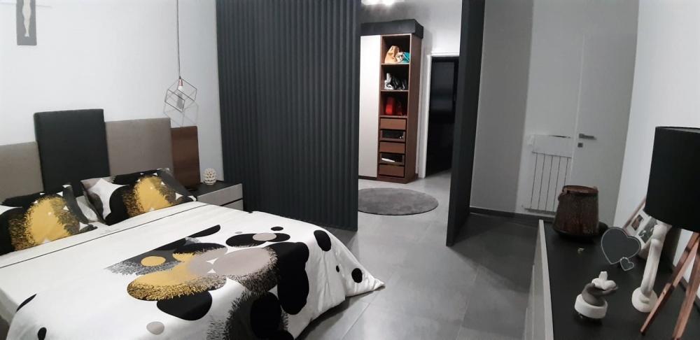 La stanza armadio può essere anche uno spazio passante