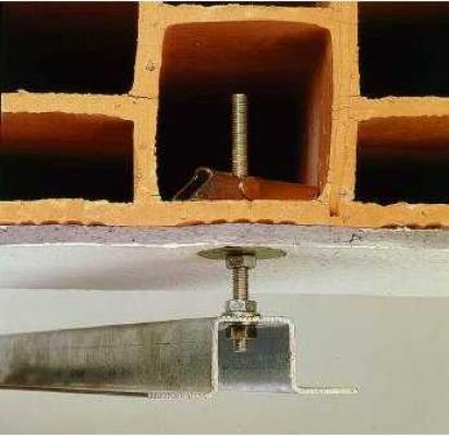 Come preparare il soffitto prima del montaggio di un lampadario sospeso
