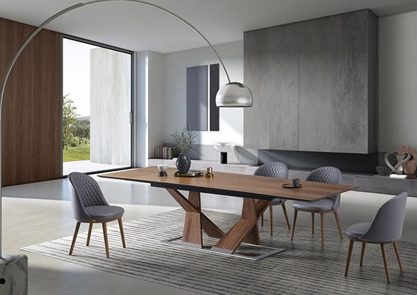 Salone in legno: tavolo Ankor di NATISA design